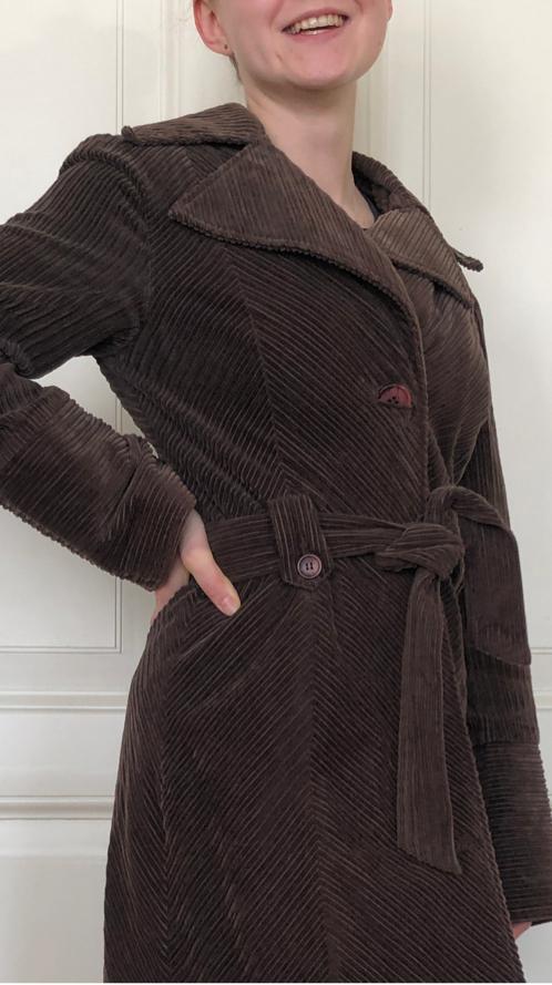Velvet mantel