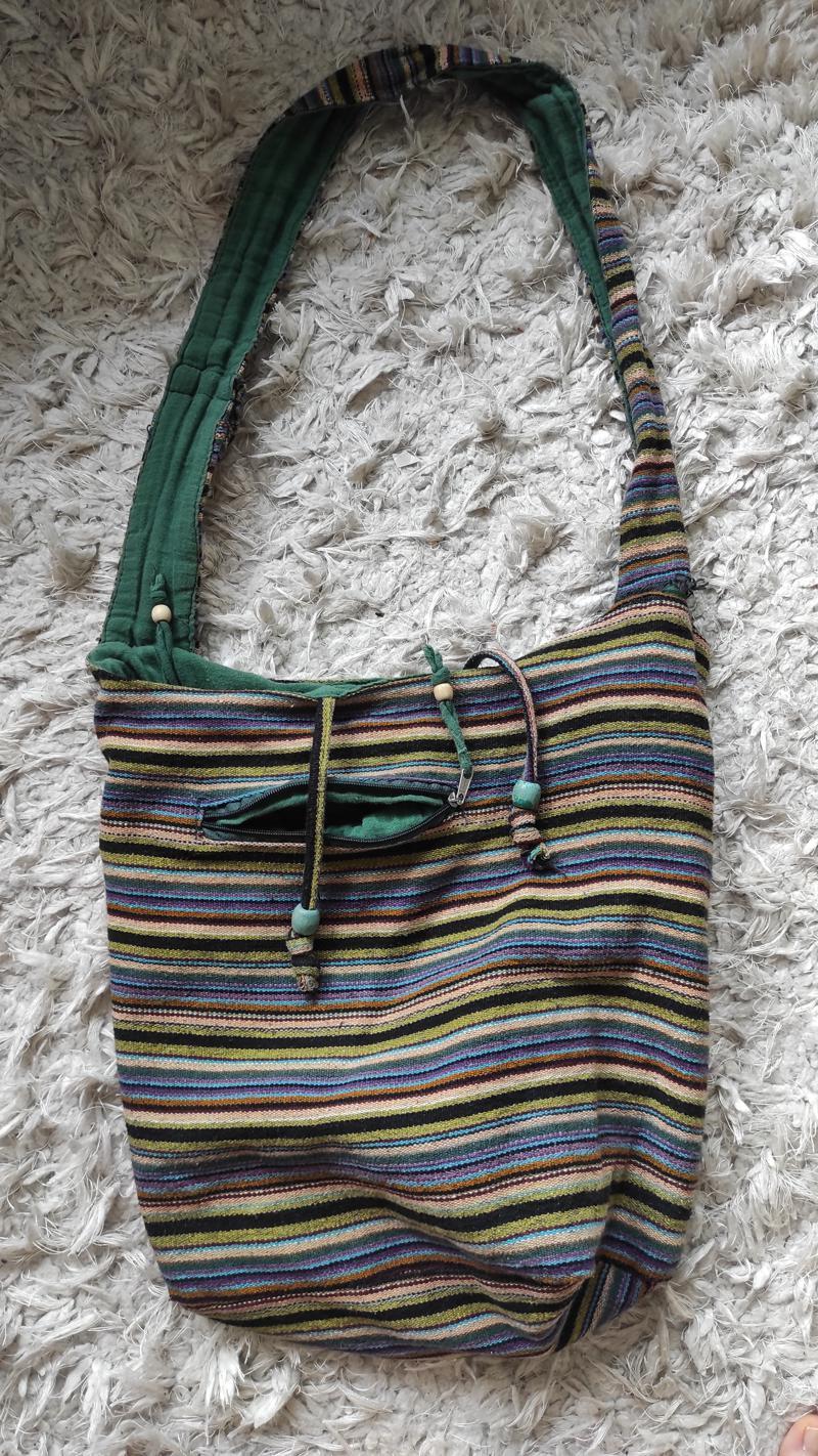 Värviline hipilik kott