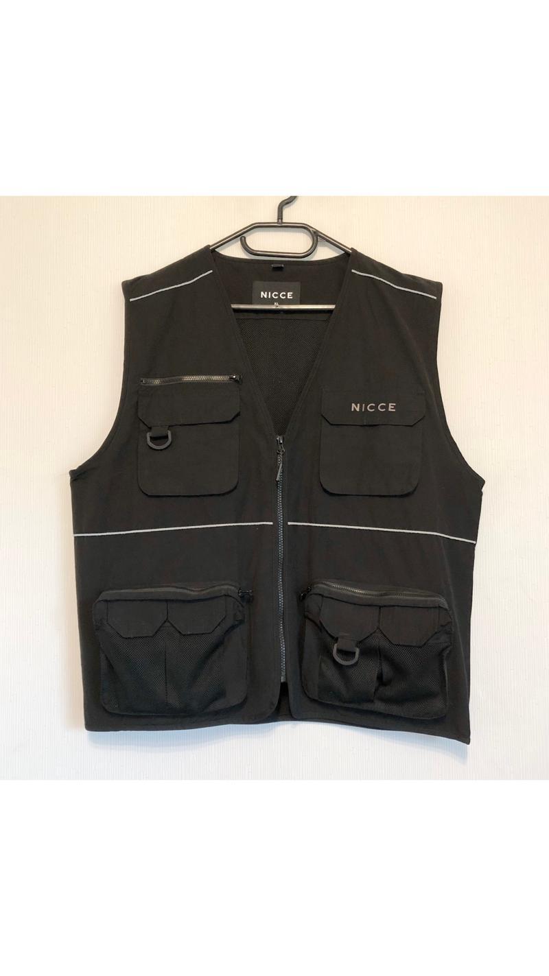 Nicce vest