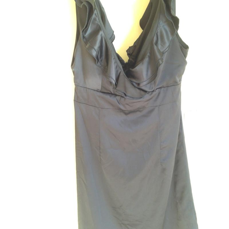 b60975859d5 Must volangidega kleit | Basaar