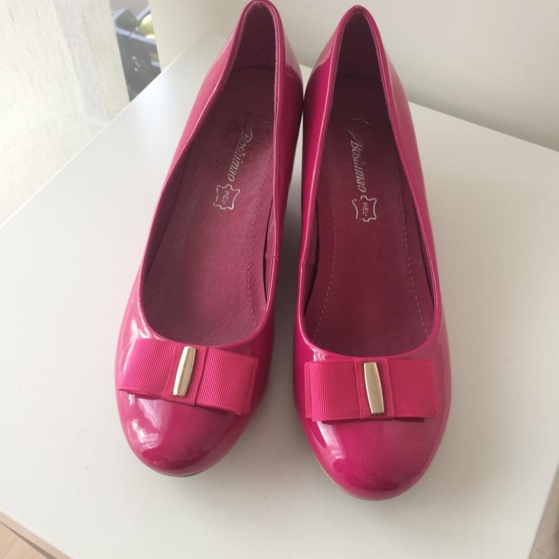 fd238ccdabc ... Armsad roosad kingad ...