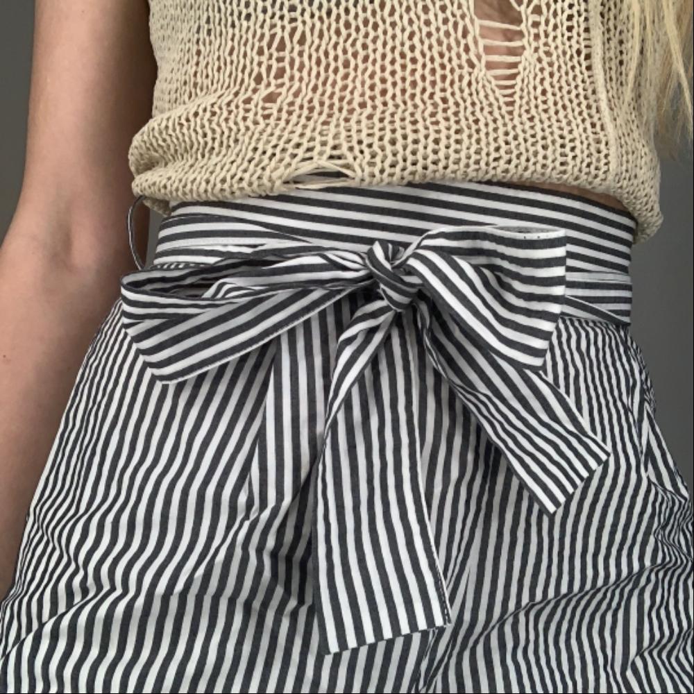 f9c9a851ad8 ... Triibulised püksid Triibulised püksid Triibulised püksid